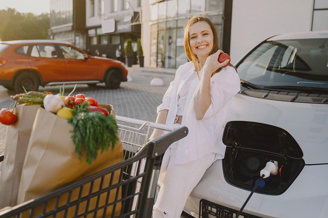 recargar el coche electrico en puntos publicos